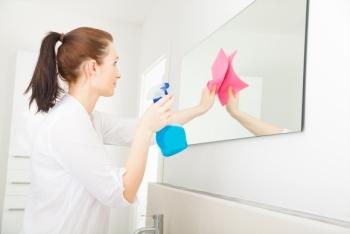 clean-bathroom-mirror