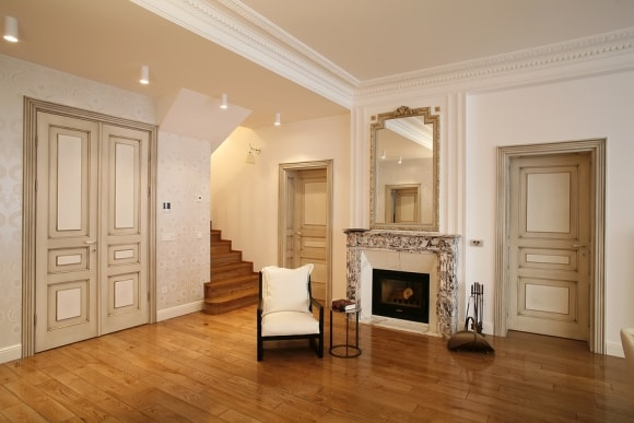 living-room-mirror-above-fireplace